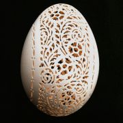 Egg shell carving by American sculptor Beth Ann Magnuson