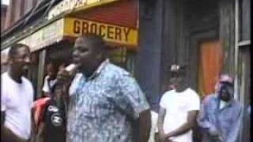 Notorious BIG freestyling in Bed Stuy at age 17