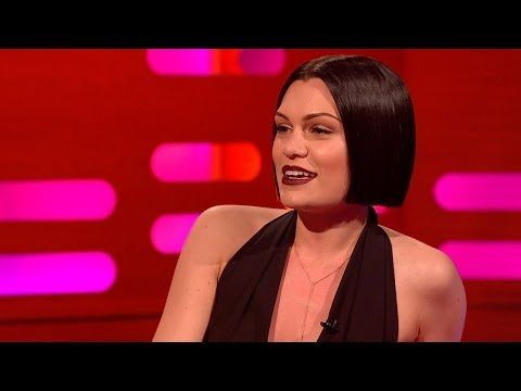 Jessie J sings with her mouth closed
