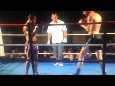 Muay Thai Fighter Delivers A Vicious Spinning Kick Knock Out!