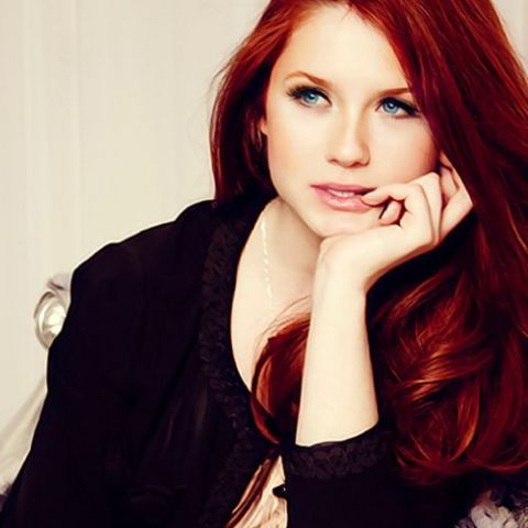 Ginny Weasley all grown up.