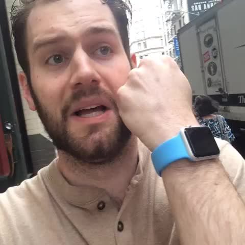 every person who owns an apple watch [vine]