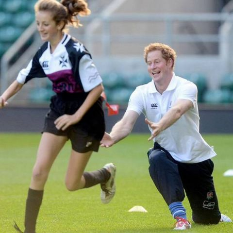 PsBattle: Prince Harry plays touch rugby
