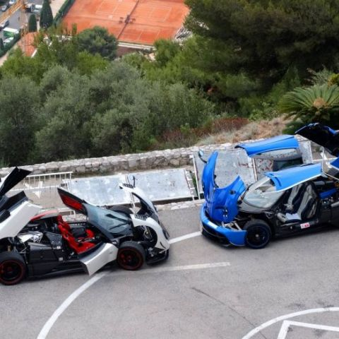 Huayra and Zonda have a stripping contest
