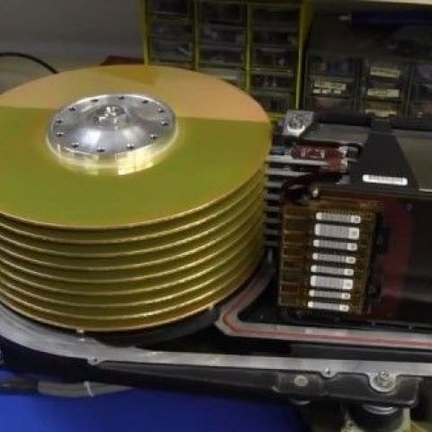 A $250,000, 90 pound, 10 MB hard drive