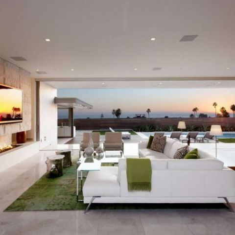 Open air living room with a view of the Pacific Ocean in this house in Laguna Beach, California