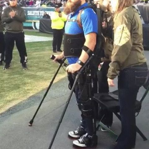 Army Sgt. Dan Rose, who was paralyzed in Afghanistan, walking again at the Eagles game using an exo suit