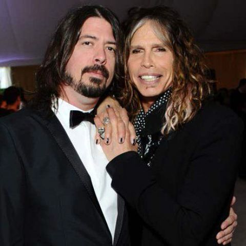 I wish I was as close with my mom as Dave Grohl is with his..