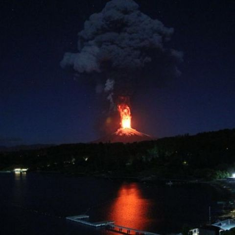 Looks like one of our volcanos decided to wake up tonight. Villarica Volcano in Chile