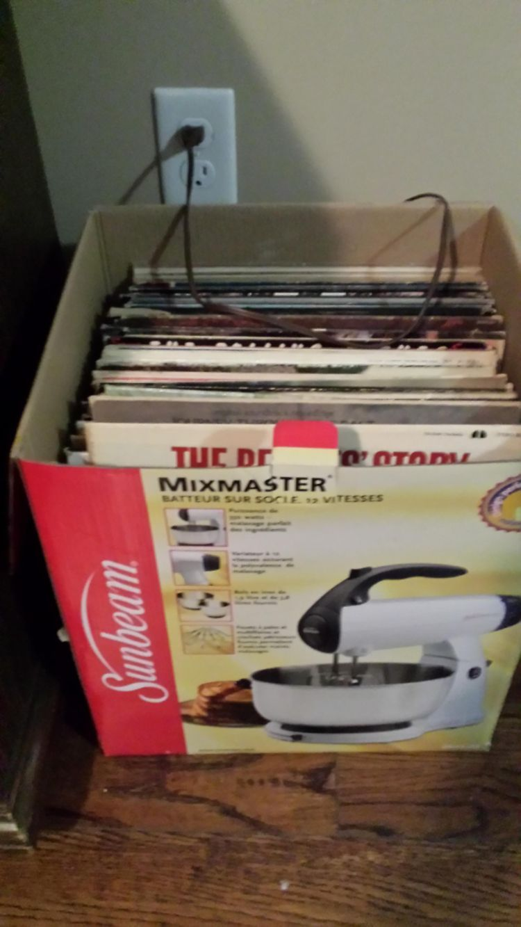 I made fun of my cousin's shitty record box until I saw it.