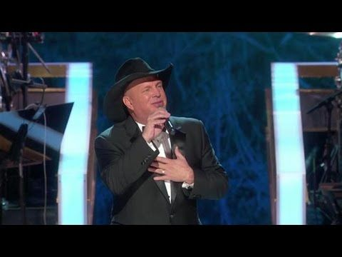 Garth Brooks Honors James Taylor At The Kennedy Center Honors