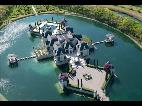 10 Insane Celebrity Homes